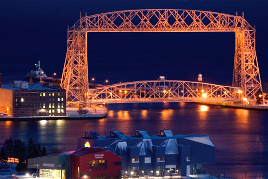 lift bridge in duluth mn